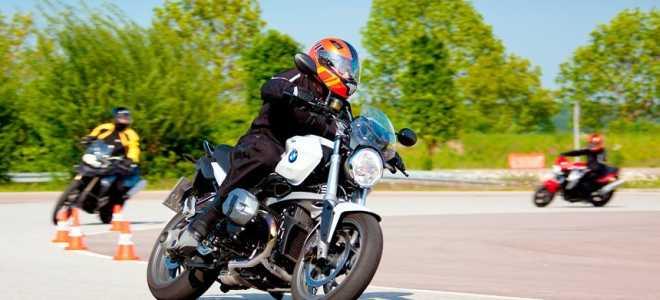 Как научиться водить мотоцикл с нуля: полезные советы